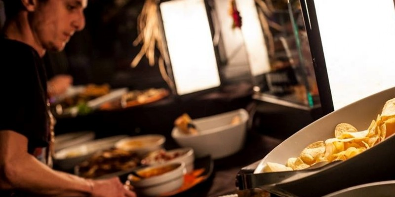 Aperitivo con buffet: quelli da non perdere a Firenze