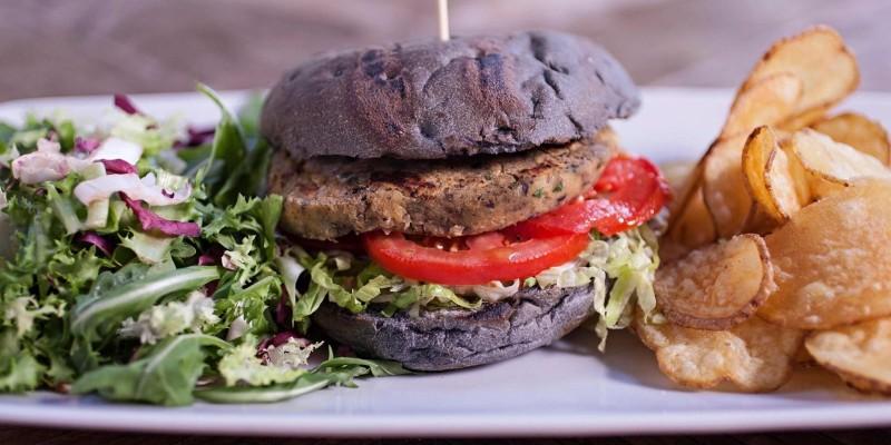 Burger vegani: 7 locali per mangiarli a Roma