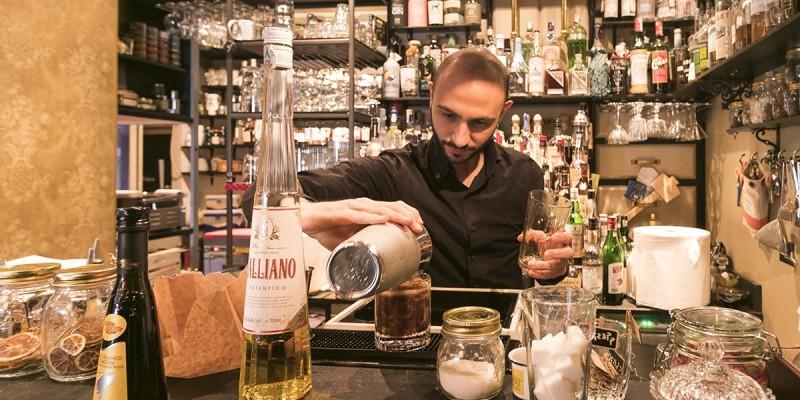 Ti presento i bartender e le barlady di Milano che ti faranno bere qualcosa di diverso dal solito