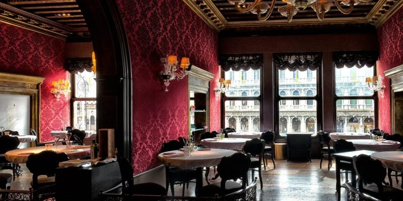 In vena di dichiarazioni d'amore? Ecco i 6 ristoranti con vista spettacolare da conoscere in Italia