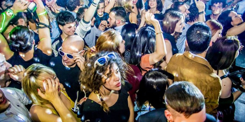 Dove il giargiana imita il milanese nei locali a Milano