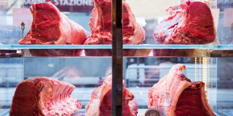Sai cosa mangi? Guida ai ristoranti di Firenze dove puoi mangiare carne Chianina certificata