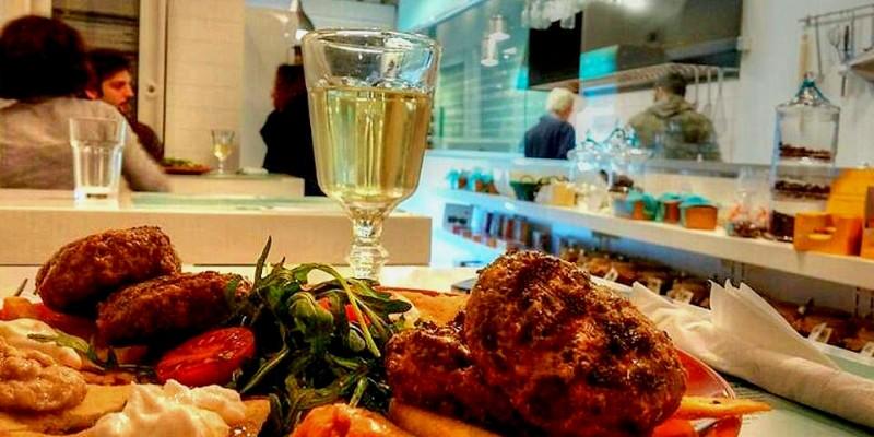 I ristoranti greci di Firenze dove sentirsi già in vacanza