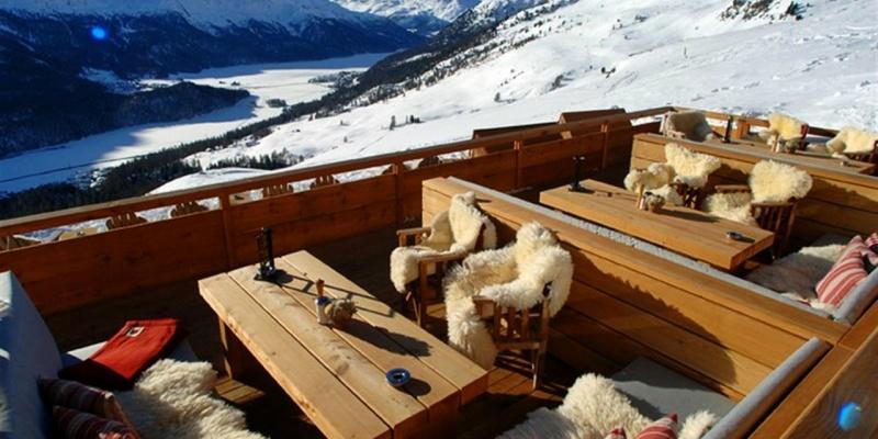 Una cena da 700 euro? Benvenuto a St. Moritz