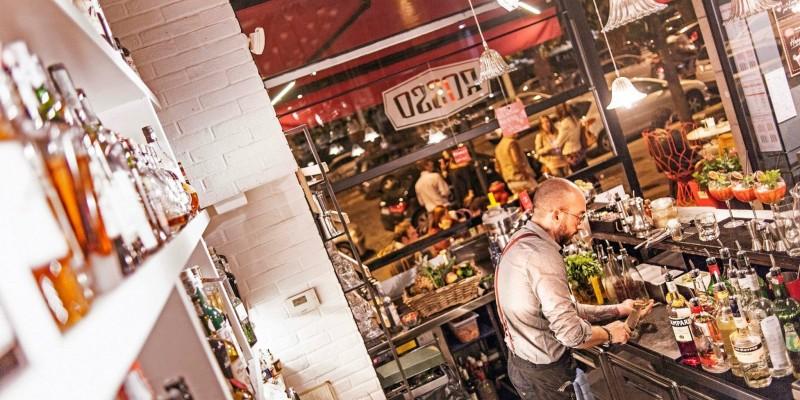 Scateniamo l'aperitivo? 4 locali a Roma dove provare l'aperitivo gourmand