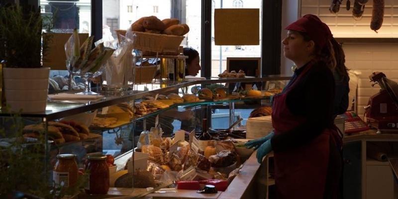 I forni di Firenze dove compri il pane e ti fermi a mangiare