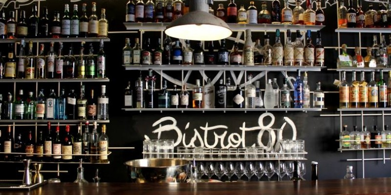 Alla scoperta di Bistrot 8.0, tra sashimi, cucina italiana e cocktail di qualità