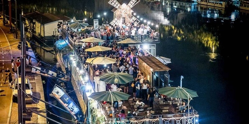 La notte di Roma è sul fiume: i locali da conoscere sul biondo Tevere.