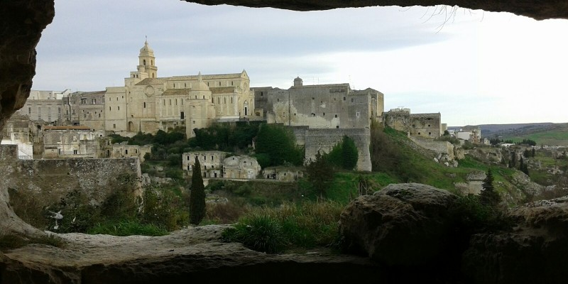 gravina in puglia cattedrale foto di https://it.wikipedia.org/wiki/gravina_in_puglia#/media/file:img-20160305-wa0002.jpg