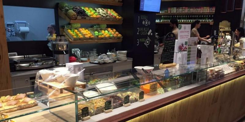 6 ristoranti per mangiare bene al centro commerciale se non fai lo snob