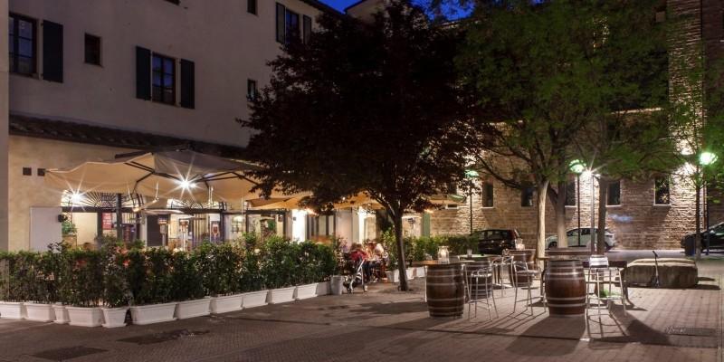 Dove mangiare la pizza all'aperto, terrazze cortili e dehors per cenare al fresco