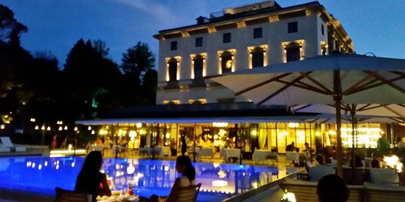 Gli aperitivi dell'estate a Firenze, la festa è a bordo piscina e in riva all'Arno