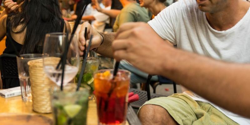 I migliori locali dove fare l'aperitivo a Monopoli, Polignano, e Alberobello