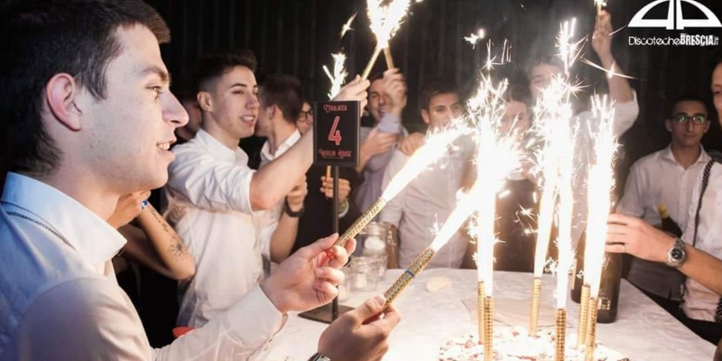 Festeggiare il compleanno a Il Peperoncino fra ottimi drinks, cibo e dj set coinvolgenti