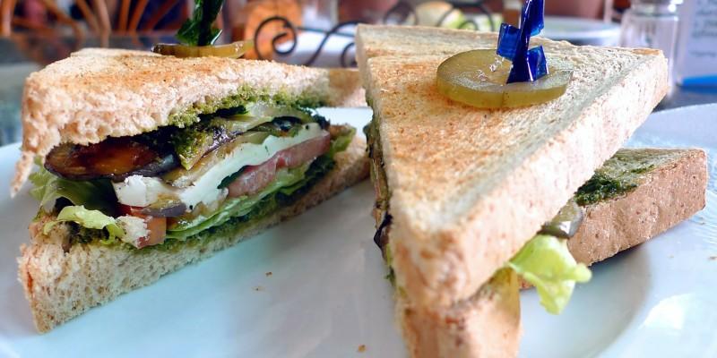 Tramezzino contro club sandwich, a caccia dello spezza-fame perfetto a Verona