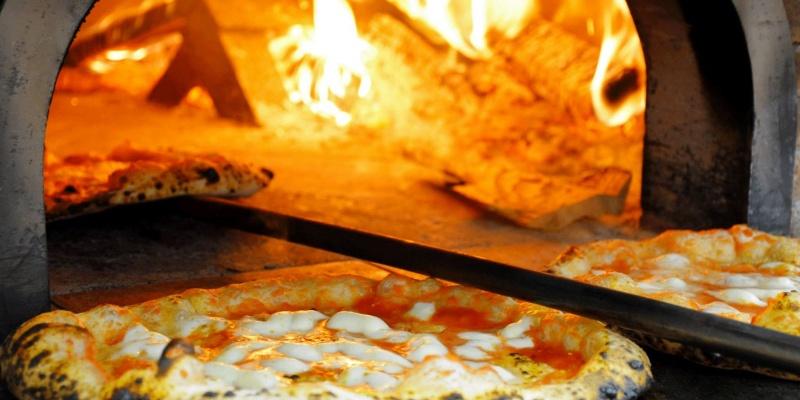 Meglio murí sazio ca campà diúno: le pizze napoletane che nessun milanese dovrebbe perdersi