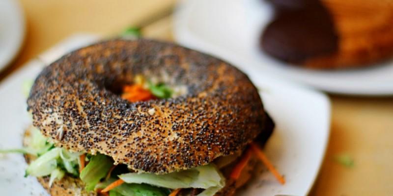 Il panino più trendy è il Bagel ed eccoti 6 locali dove trovarlo a Treviso e in provincia