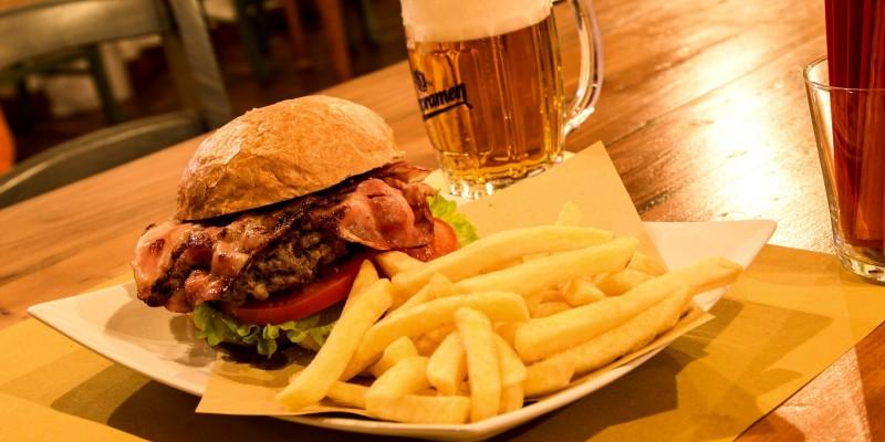 Se ancora non lo hai fatto, ecco 6 hamburger da provare a Treviso