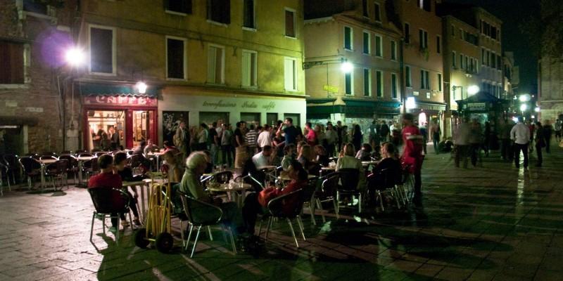 Fare l'aperitivo con il dj set a Venezia non è così impossibile