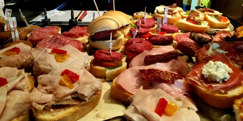 Cicchetti, arancini, polpette e molto altro: lo street food a Treviso