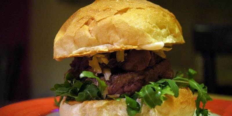 Quarto Burger & Drinks: ecco dove mangiare uno dei migliori burger di Roma