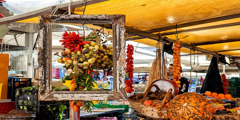 In giro per i mercatini di Roma: shopping e buon cibo