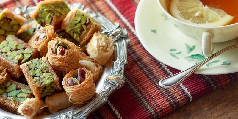Cucina greca: cinque piatti tipici greci e dove mangiarli a Milano