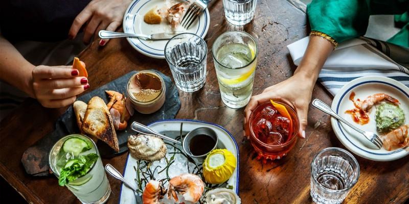 Sei più per il classico o l'alternativo? Ecco i locali per il tuo aperitivo a Pescara!