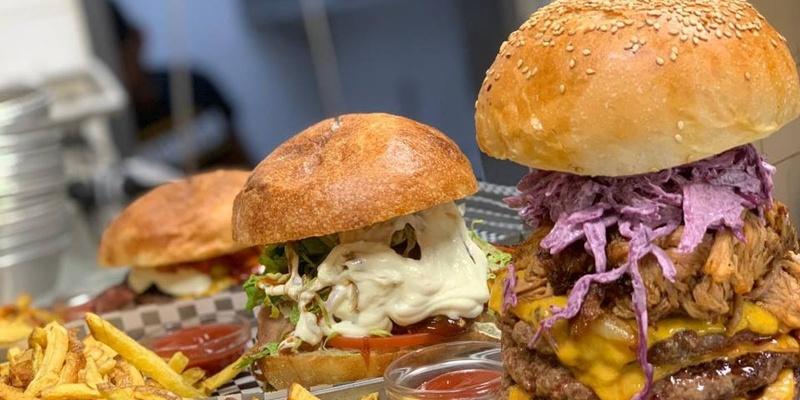 Hamburger anche a pranzo, ecco dove a Roma