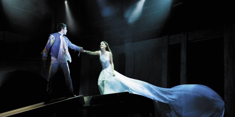 Standing ovation: va in scena Romeo e Giulietta. Ama e cambia il mondo