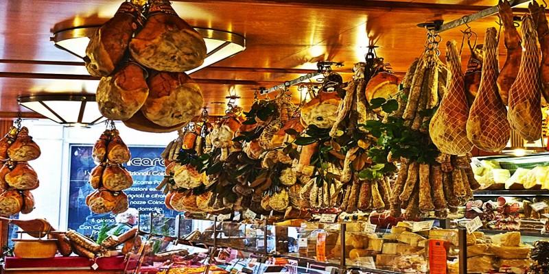 Le 10 città dove si mangia meglio al mondo, l'Italia c'è