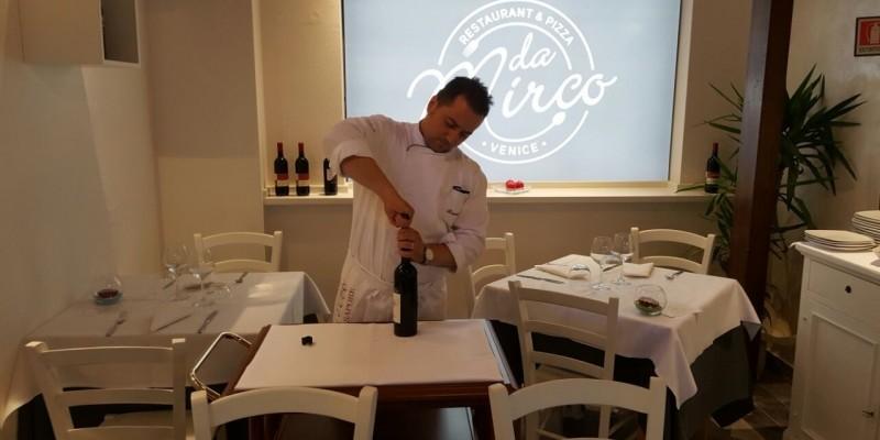 """""""Il segreto del mio locale sono io"""": vi presento Dario Bracale, deus ex machina del ristorante Da Mirco"""