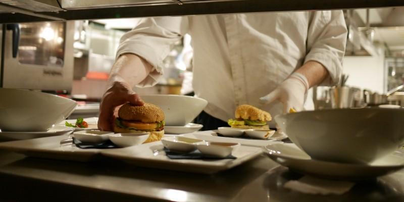 6 locali in provincia di Bari dove addentare un buon hamburger