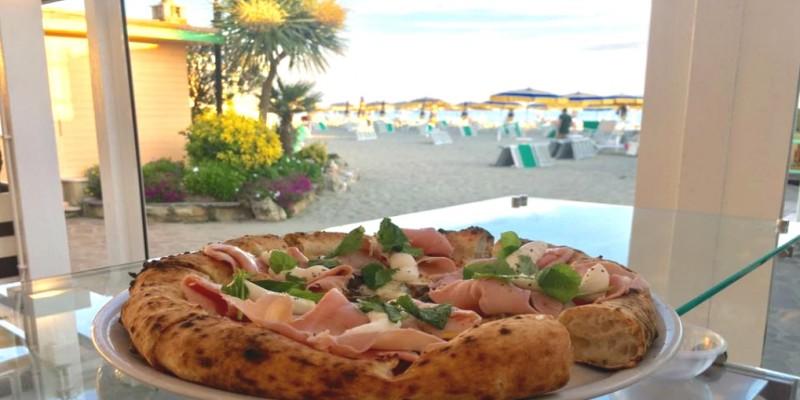 Ostia, Fregene e Fiumicino. Ecco le migliori pizzerie sul mare di Roma