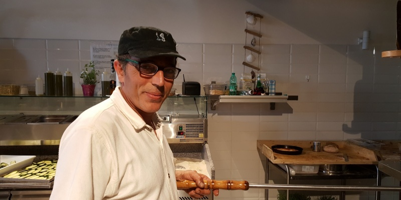 Da Bisceglie in giro per il mondo e poi ritorno: quando l'esperienza torna alle origini. L'intervista a Sergio Uva del Sergio's – Pizza, Fish & Grill