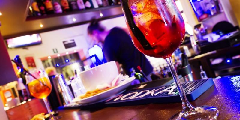 I locali di Firenze dove far l'aperitivo con meno di 8 euro, buffet compreso