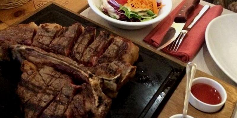 I locali di Firenze dove mangiare la vera bistecca alla Fiorentina