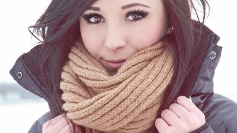 beauty routine preparare pelle a inverno mettere sciarpa e guanti