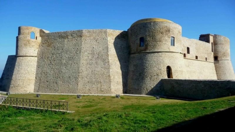 Circuito Ortona : Romantici e suggestivi ecco castelli da visitare in abruzzo