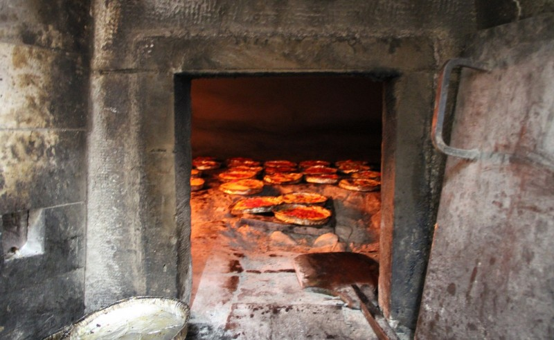 focaccia forno https://www.flickr.com/photos/travfotos/15312285117/