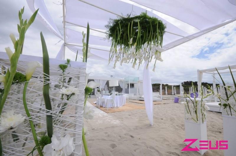 redattori licheri zeus beach matrimonio in spiaggia fiori