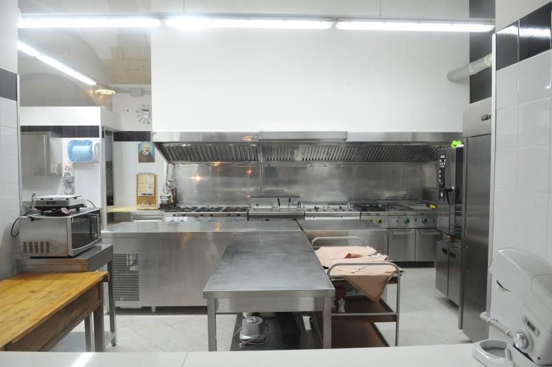 Cucine Da Ristorante Usate ~ Idee creative del moderno ...
