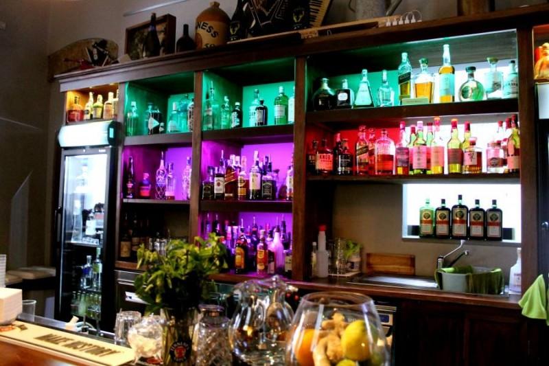 bancone  bar rasna firenze cocktail