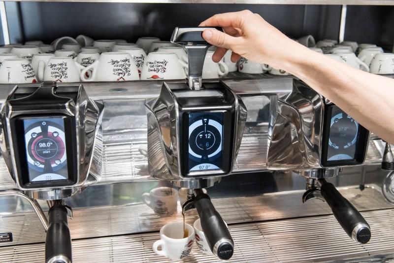 redattori licheri caffè vittoria nuova macchina2