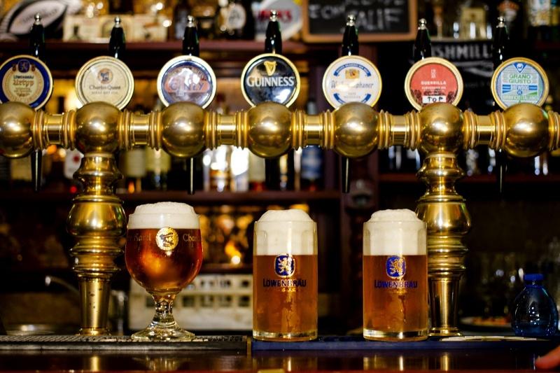redattori licheri rubens bancone birre