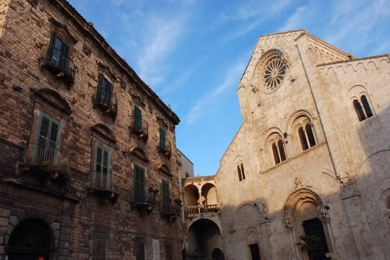 cattedrale bitonto daniele testa  http://commons.wikimedia.org/wiki/file:bitonto_cattedrale1.jpg