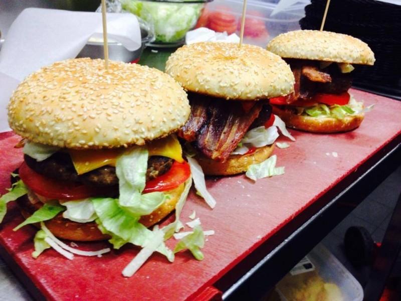 hamburger couch club