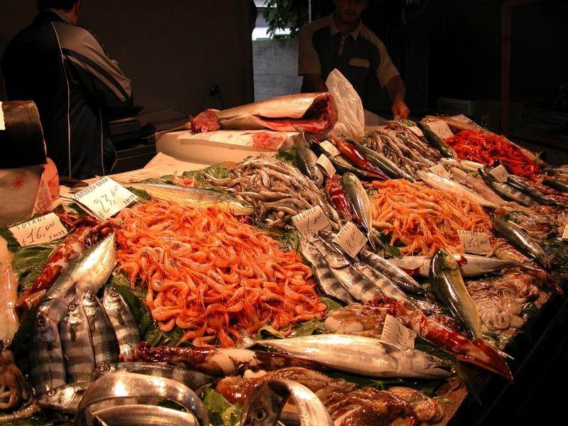 Dove comprare il pesce fresco a napoli - Mercato di porta nolana ...