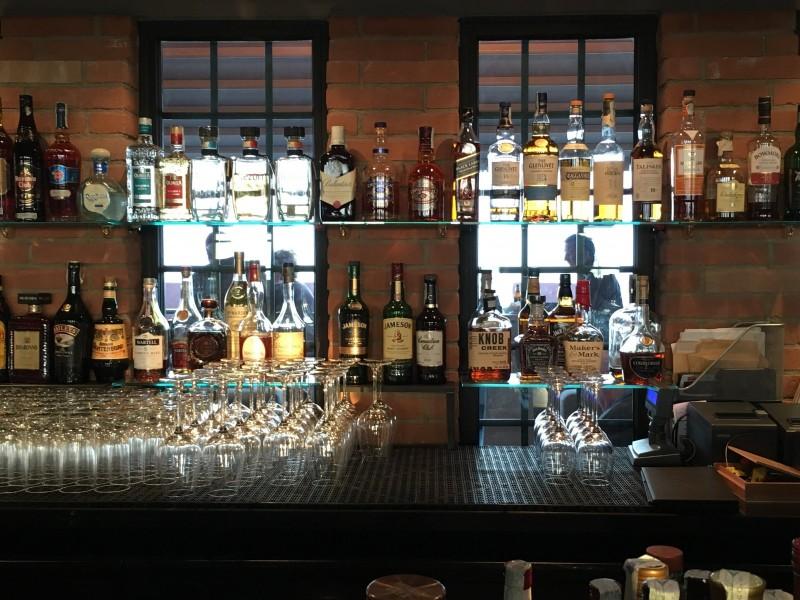 molino stucky cocktail bar