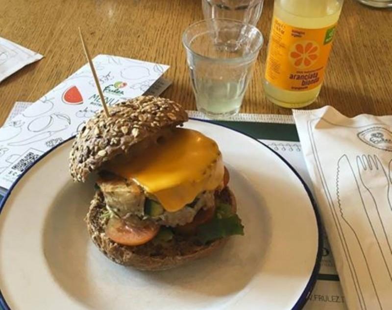 hamburger spops bari https://www.facebook.com/frulez.it/photos/a.289611331081495.68317.288467324529229/1156642764378343/?type=3&theater